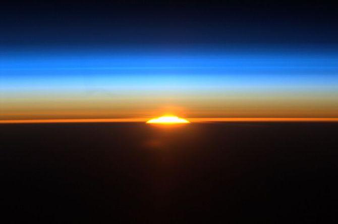 800px-Garan_Sunrise