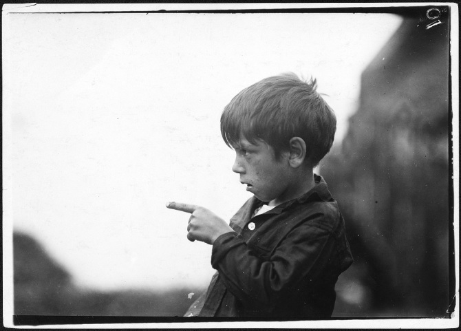 -I_nearly_cut_my_finger_off,_cutting_sardines_the_other_day.-_7_year_old_Byron._Eastport,_Me._-_NARA_-_523459