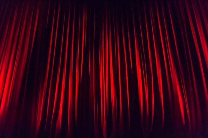 stage-curtain-660078_960_720.jpg