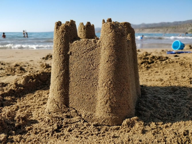 Summer-Holiday-Sand-Structure-Sand-Castle-2962584.jpg